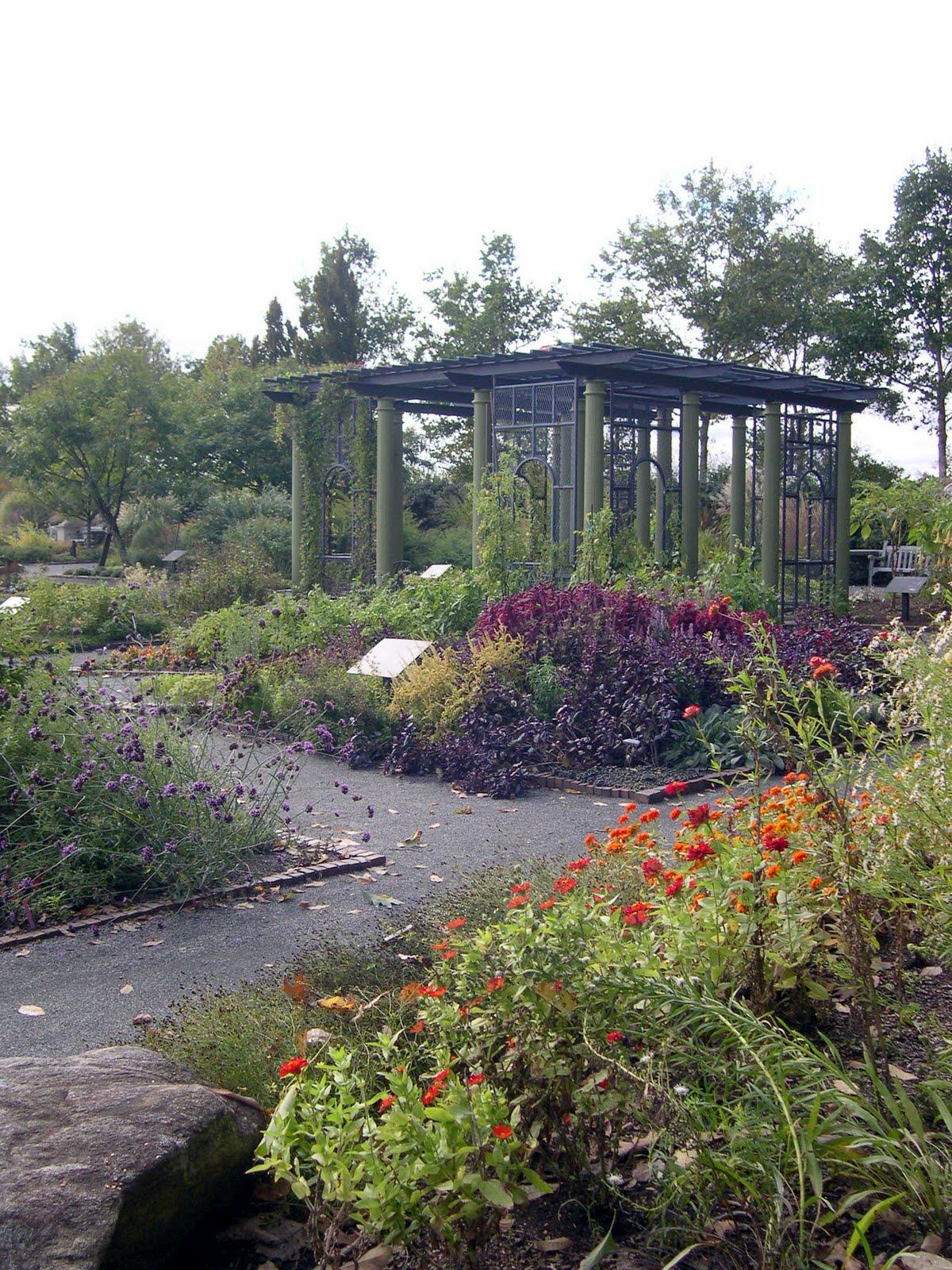 47901 as well Botanical Garden also Watch likewise Restaurants Near Cruise Port likewise Top Botanical Gardens In America. on 12ba7
